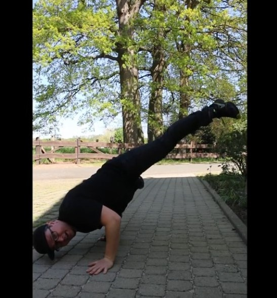 Breakdance mit Dennis Herb – Übungen für zu Hause Clips 5+6